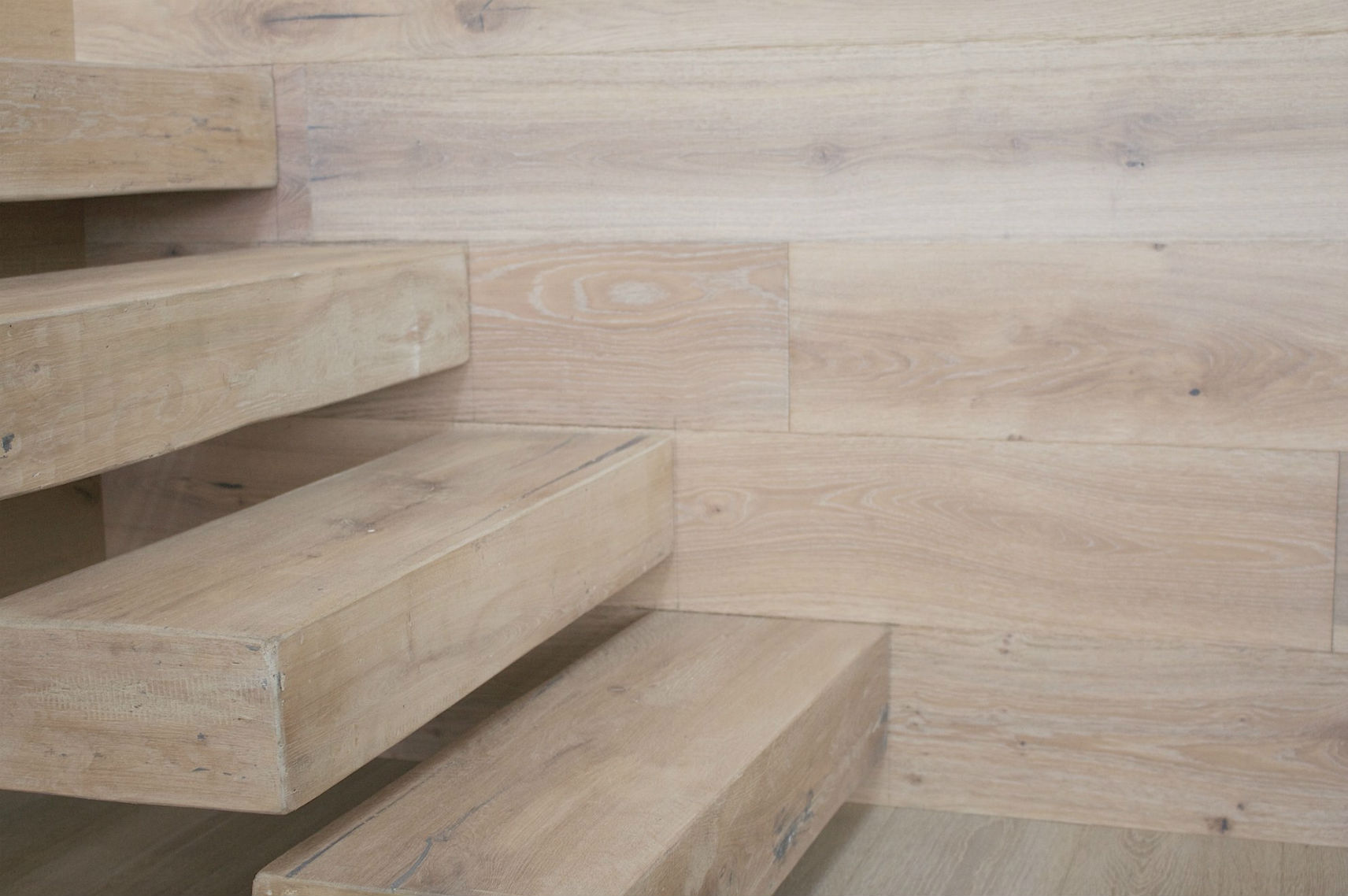 Timber Stair Treads Video Slip Resistance Stair Nosing Non Slippery
